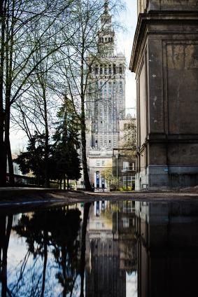 Palace-reflection-spring-Warsaw-small