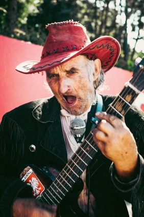 red-cowboy-playing-guitar-warsaw-summer-small