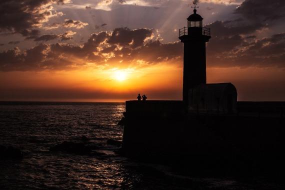 lighthouse-sunset-porto-small